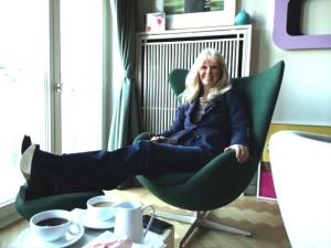Ingrid Roosen-Trinks in ihrer Berliner Wohnung